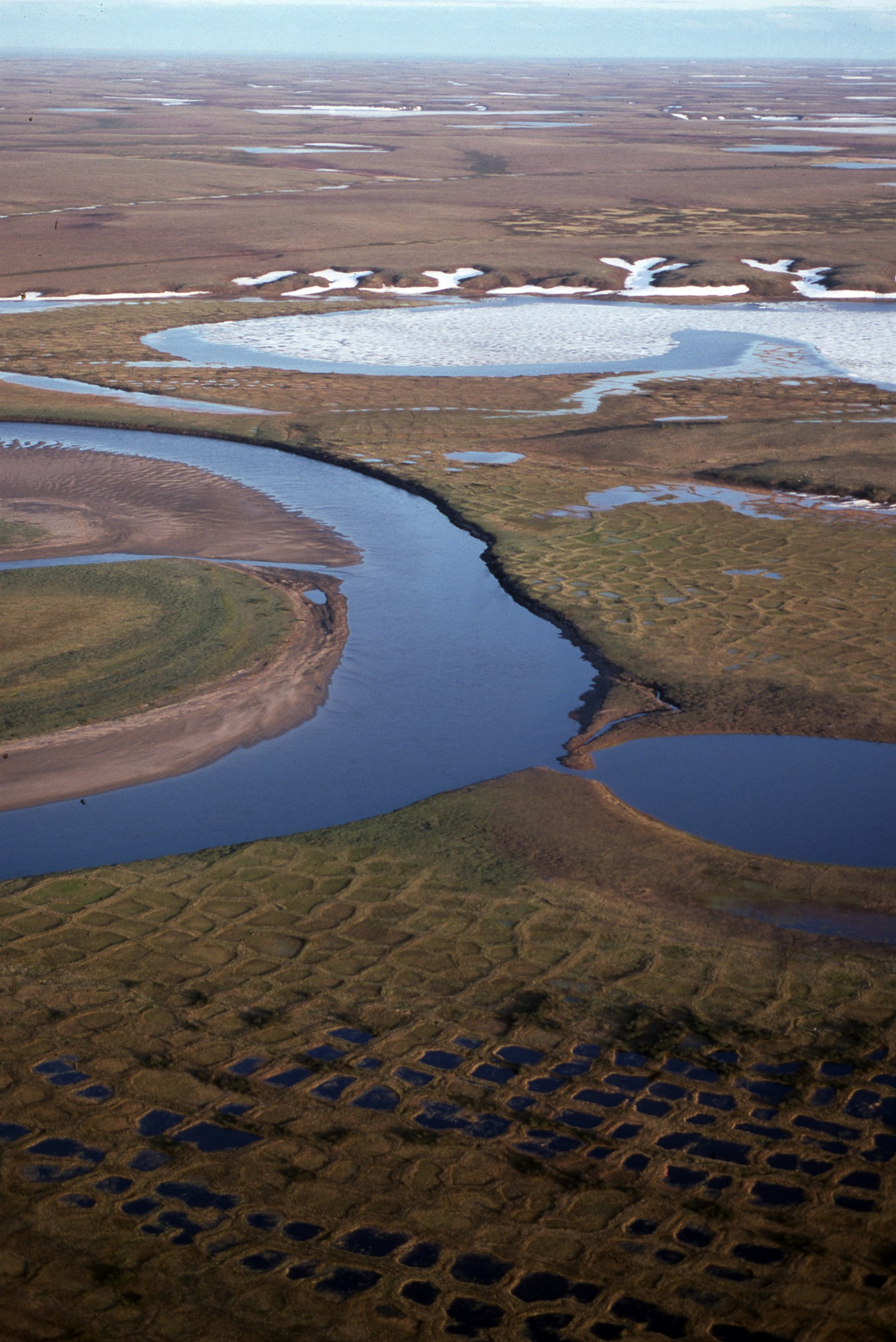 tundra-landscape-southeast-taimyr-siberia-russia-july-1993_adb3-2339x3500px