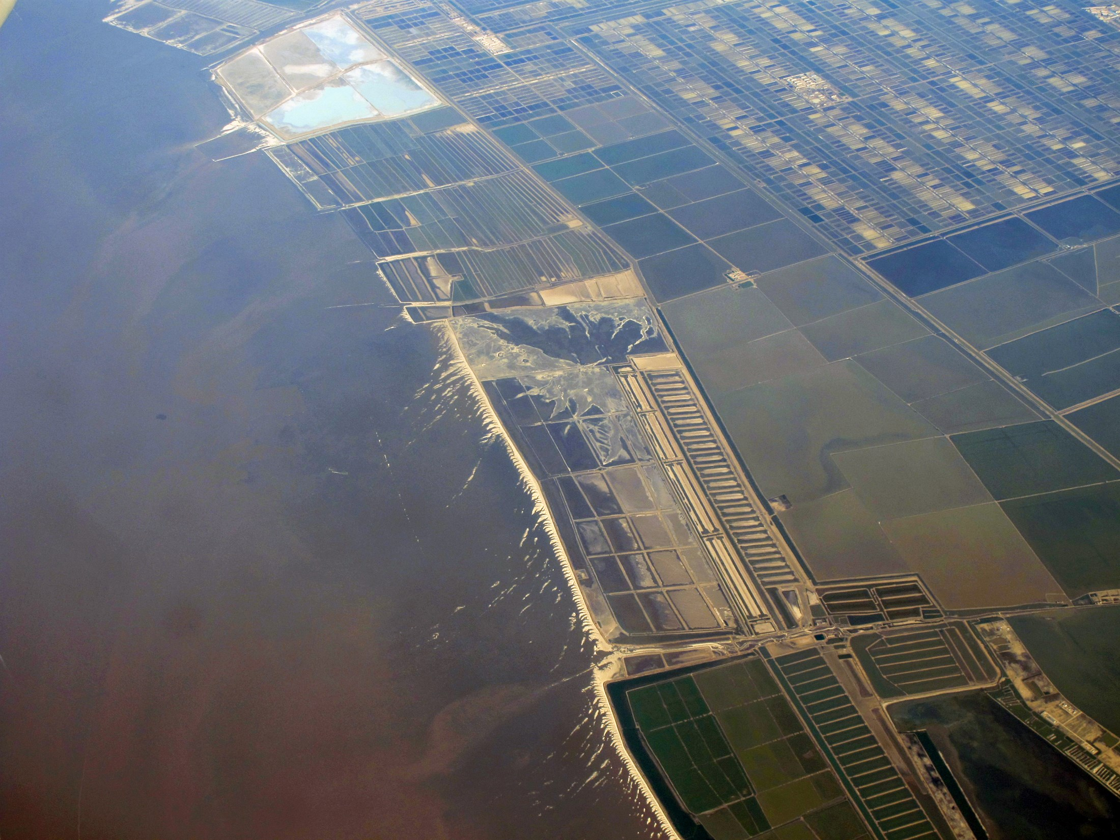 reclamation-of-tidal-flats-at-east-coast-of-china_86d5-2200x1650px