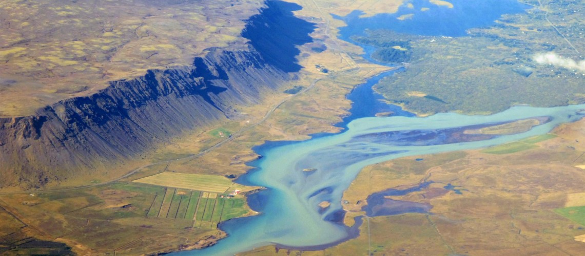 river-olfus-just-north-of-selfoss-south-iceland_f0f1-2200x1650px